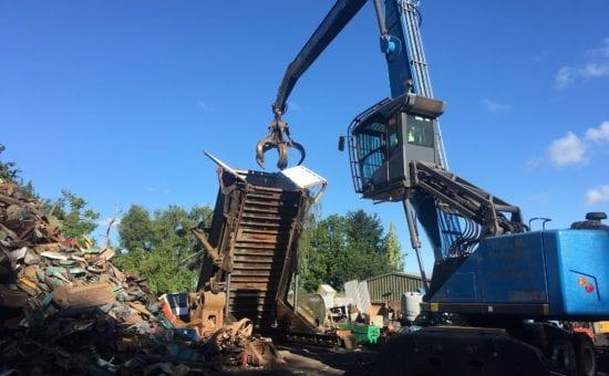 Fuchs 360 grab machine-scrap